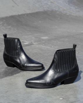 Unisa Kaci led enkellaarsje Zwart   Van Zuilen Mode